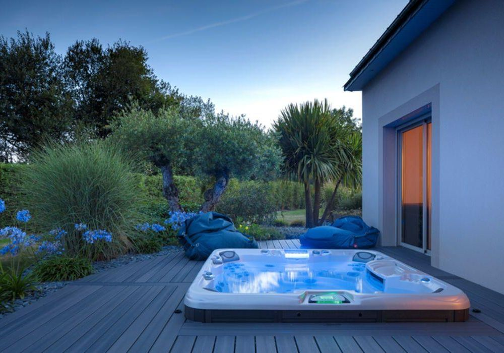 Hot tubs for health and relaxation bakersfield home magazine for Bakersfield home magazine